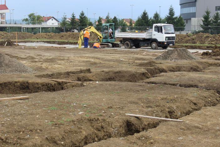 """Napreduju radovi na izgradnji nove sportske dvorane OŠ """"Hugo Badalić"""" Područna škola Jelas"""