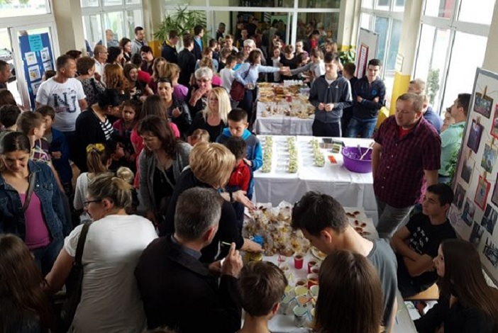 Održan 'Sajam dobre hrane' u OŠ Ivan Mažuranić u Sibinju