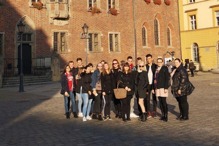 Učenici Ekonomsko-birotehničke škole odradili stručnu praksu u Poljskoj u sklopu Erasmus+
