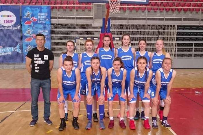 Košarkašice Klasične gimnazije fra Marijan Lanosović treće u državi!