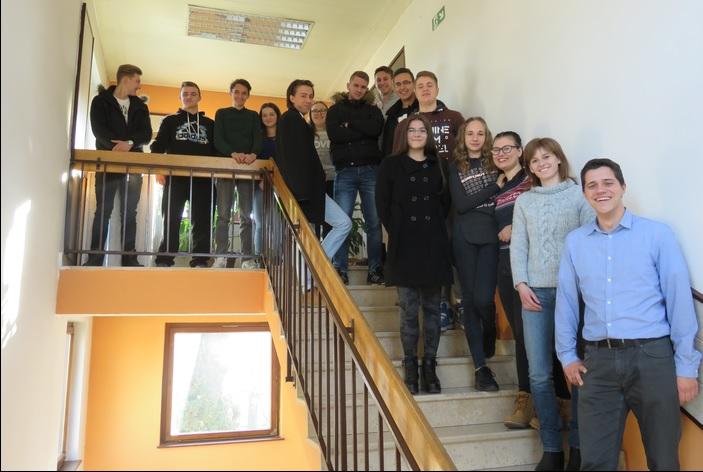 Petnaest učenika Obrtničke škole, zanimanje konobar i kuhar, primilo stipendije Valamar rivijere