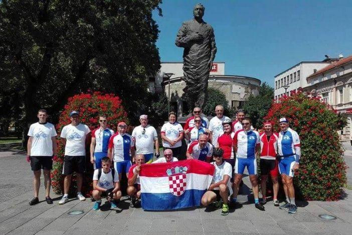Brodski ultramaratonci stigli u Slavonski Brod