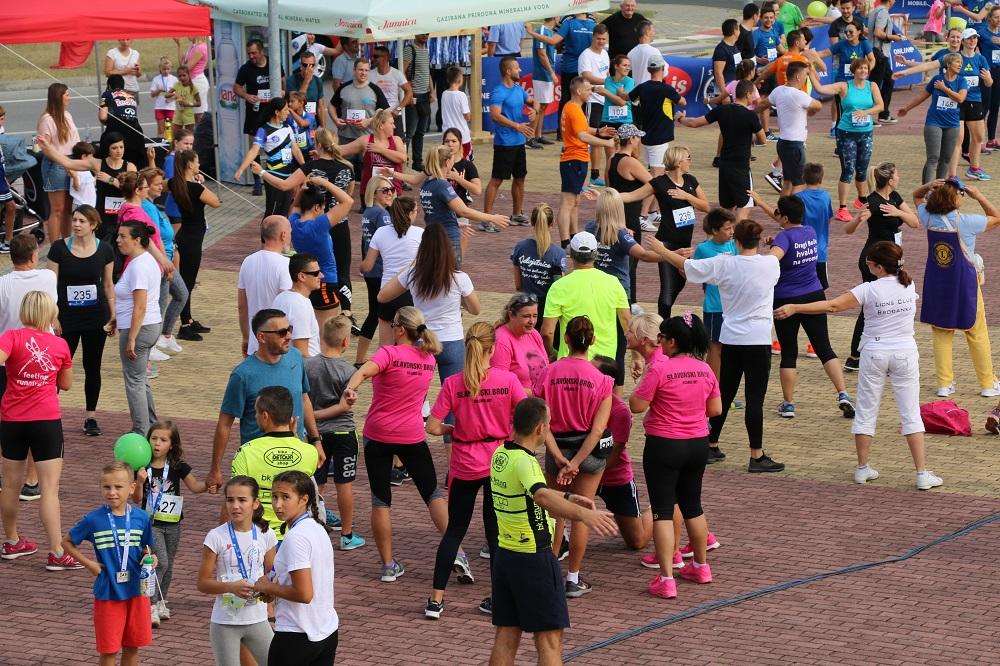 """Gotovo 500 Brođana sudjelovali u još jednoj utrci """"Znanjem i prevencijom do zdravog života"""""""