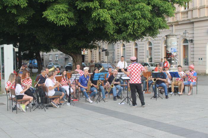 """Limena glazba """"Željezničar"""" na godišnjem koncertu u kockicama podržali repku"""