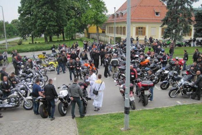 Tradicionalni blagoslov motora i motociklista
