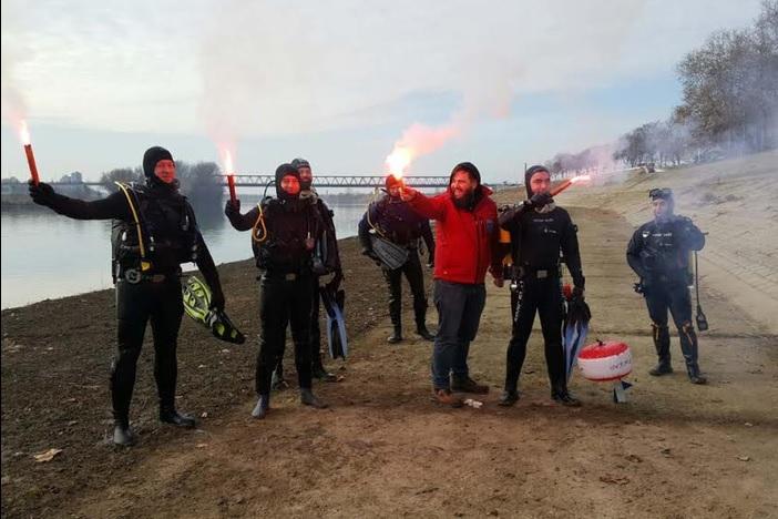 Tradicionalni Silvestarski zaron u Savu brodskih ronioca