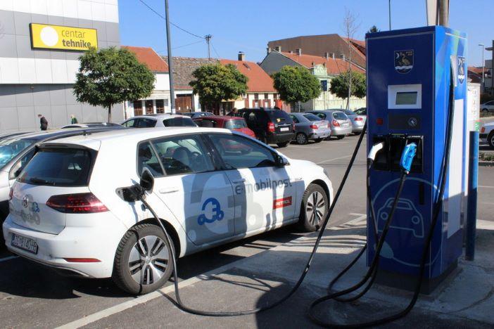 Nova punionica za električne automobile puštena u pogon