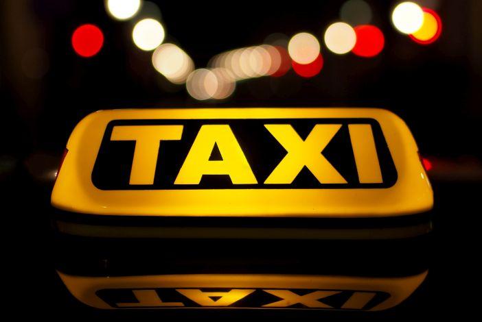 HELENINA PRIČA Taxi