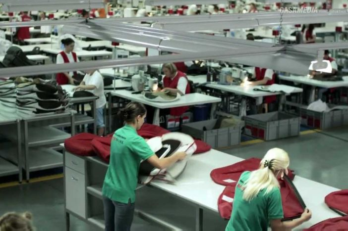 Muke s radnom snagom: Roboti im šivaju na dvije linije, ali i to je malo, pa uvoze radnike iz Srbije, BiH i Ukrajine