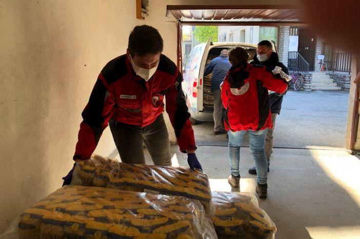 """Tvrtka """"Clarum"""" uručila vrijednu donaciju za potrebite Gradskom društvu Crvenog križa"""