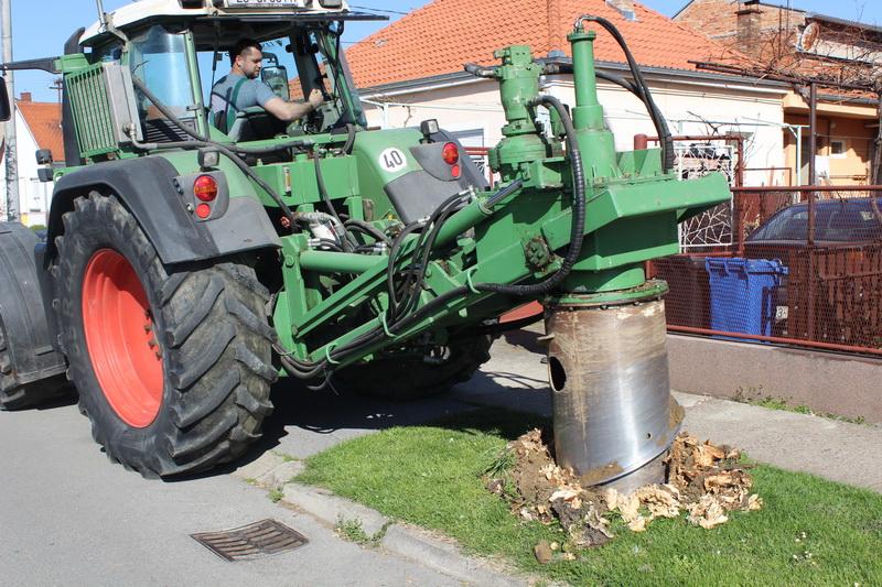 Započeli radovi na uređenju zelenih površina na području grada