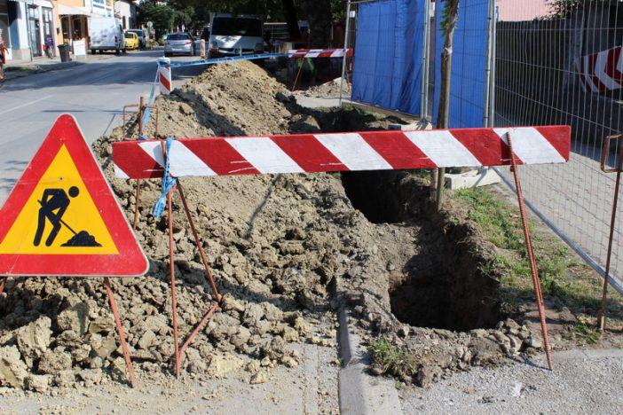 Zbog radova zatvara se privremeno za promet javna cesta kroz naselje Srednji Lapovci