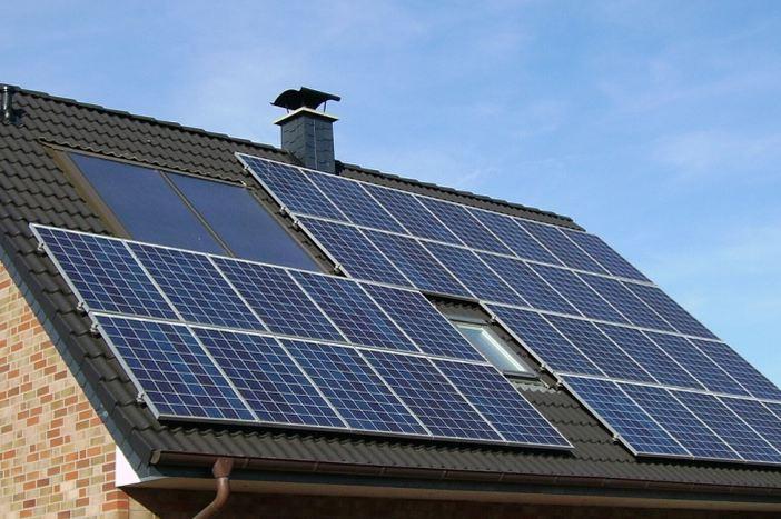 Objavljen Javni poziv za sufinanciranje foto-naponskih elektrana na obiteljskim kućama