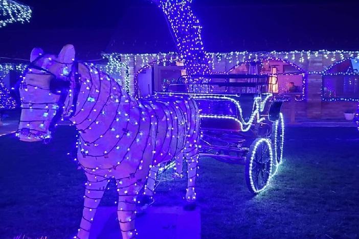 ĐUKIN SAN i 18 tisuća lampica za božićni ugođaj