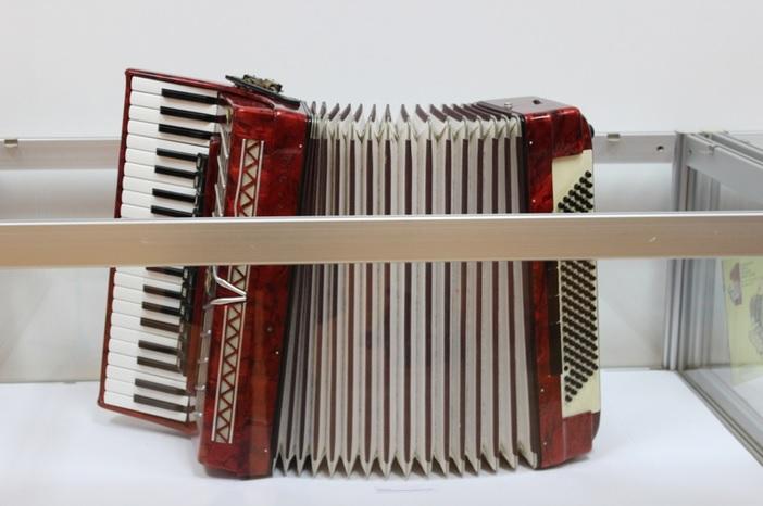 Otvorena izložba ''50 godina Brodskog harmonikaškog orkestra 'Bela pl. Panthy' (1966.-2016.)''