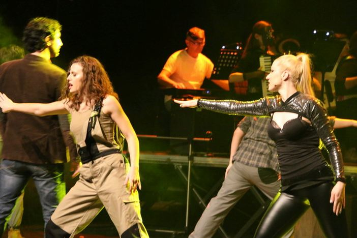 "Izvedbom ""Flashdancea"" Otvoren 8. Međunarodni festival harmonike Bela pl. Panthy"