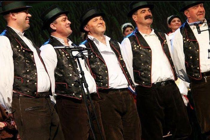 Najbolje folklorne pjevačke skupine čuvaju od zaborava izvorno slavonsko folklorno pjevanje