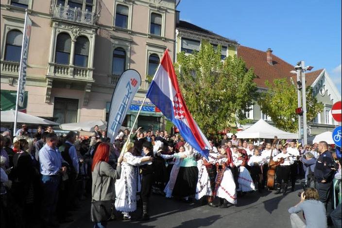 Folklorni Ansambl Broda na Jesenskim svečanostima u Leibnitzu