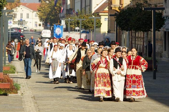 KUD Tomislav iz Donjih Andrijevaca na 26. susretu hrvatskih folklornih ansambala i izvornih skupina
