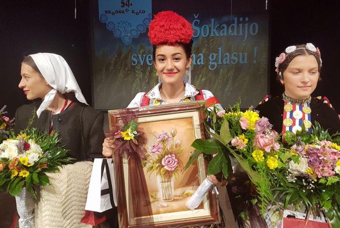 Dragana Martinović najljepša je Hrvatica u narodnoj nošnji