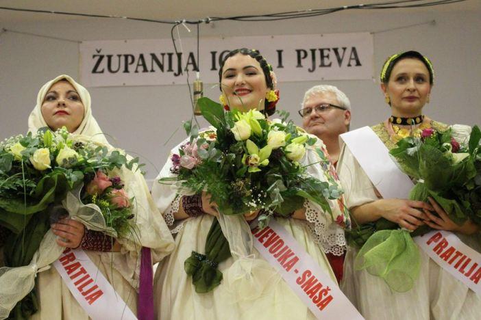 Ena Fligić slavila na izboru za najljepšu djevojku i snašu Brodsko posavske županije