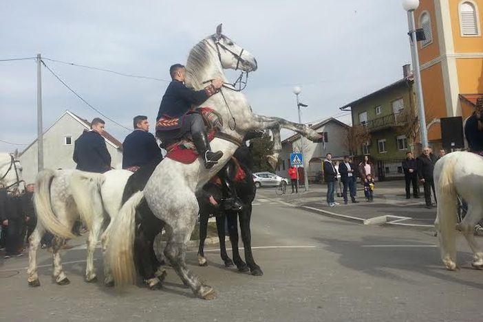 Pokladno jahanje u Ruščici okupilo 82 jahača iz Slavonije i Zagorja
