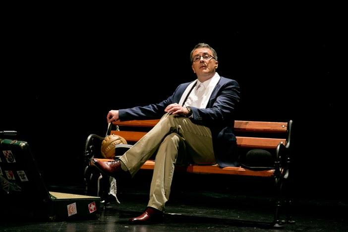 """Tarik Filipović 09.10. premijerno s monodramom """"ĆIRO"""" o životu Miroslava Ćire Blaževića u Slavonskom Brodu!"""