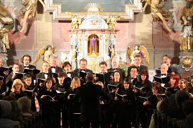 U crkvi Presvetog trojstva održan korizmeni koncert Zbora HRT-