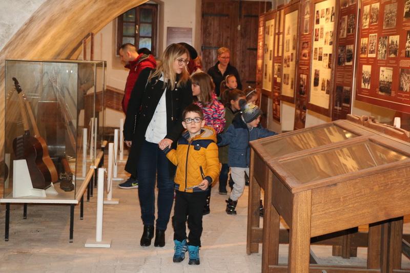 Brođani u velikom broju posjetili Noć muzeja 2018.