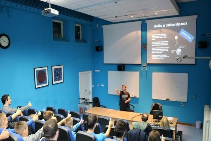 """Nagrađeni učenici Udruge Connect IT posjetili """"Ruđer Bošković"""""""