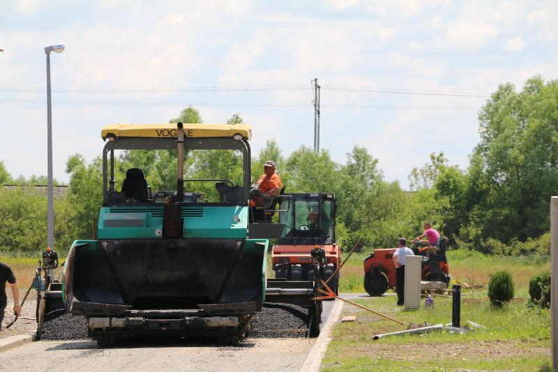 Napreduju radovi na izgradnji i modernizaciji cesta i pješačkih staza na području grada