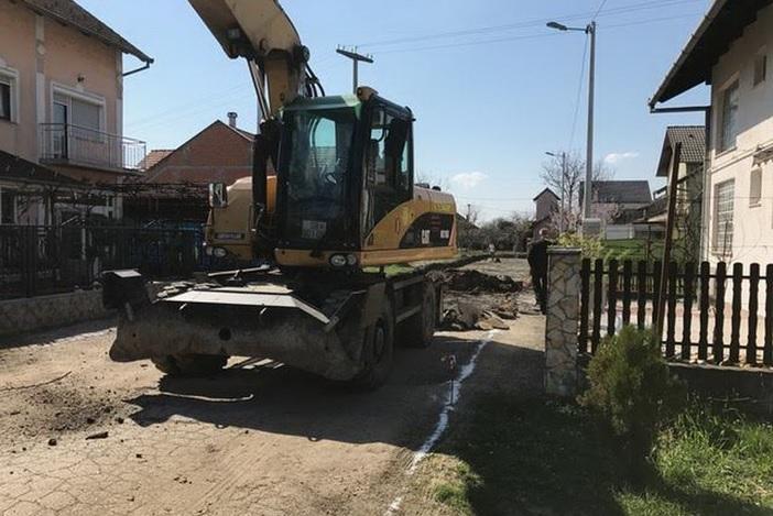 Započeli radovi na izgradnji ceste u Ulici 2. svibnja 1992.