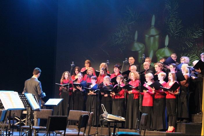 """Održan tradicionalni božićni koncert Grada Slavonskog Broda i KKD """"Ivana Brlić-Mažuranić"""""""