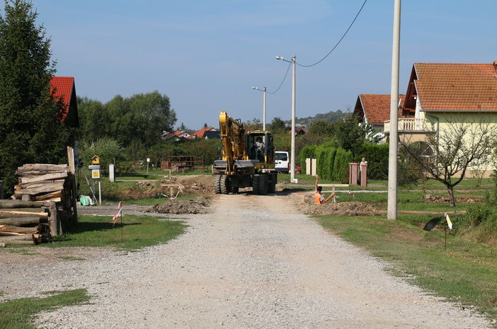 Započela izgradnja kolnika i oborinske odvodnje u ulicama Livade I i II