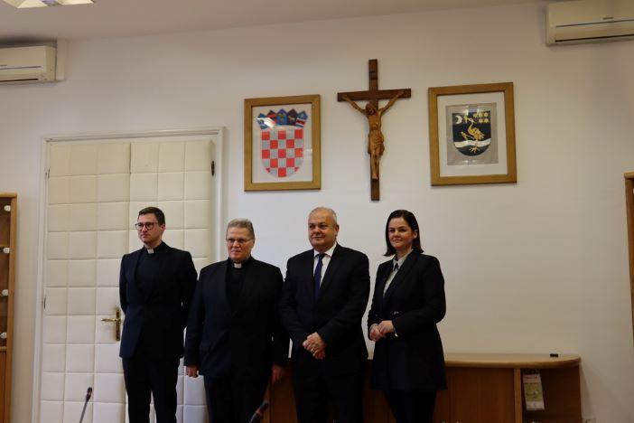 """Mons. Đuro Hranić: """"Katolička crkva vodi brigu o cjelovitom čovjeku"""""""