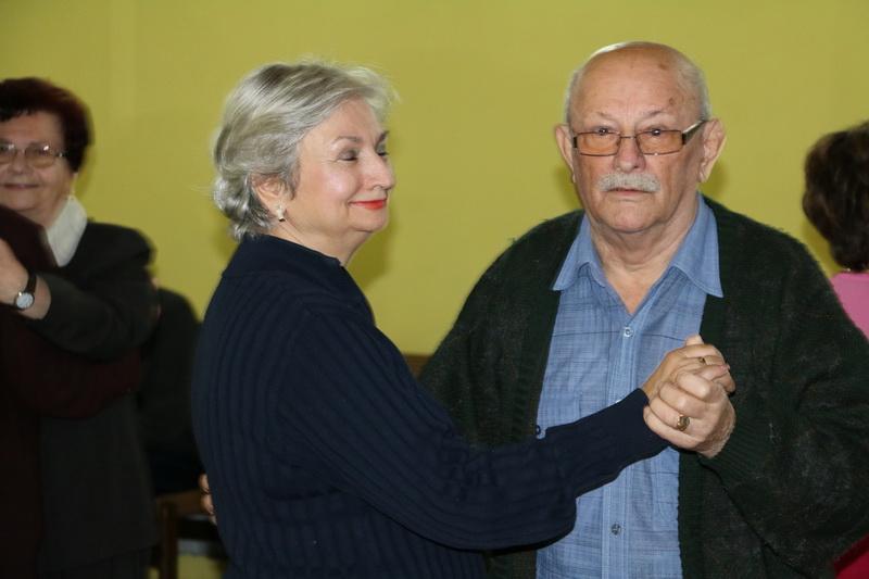 Plesna večer za umirovljenike