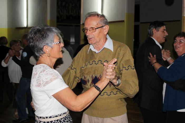 Održana još jedna plesna večer za umirovljenike u Radničkom domu