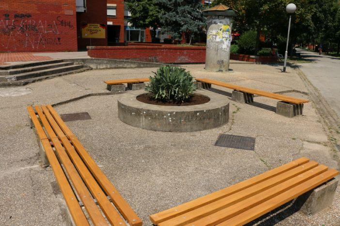 Postavljene nove klupe u Naselju Slavonija I