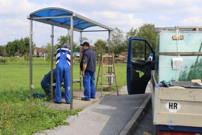 Započeli radovi na obnovi nadstrešnica na autobusnim stajalištima