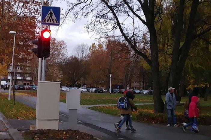 Novi cestovni LED markeri u gradu, a proradio je i novi semafor u Borovskoj ulici