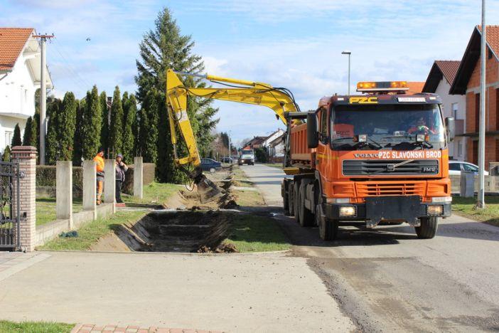 Započeli radovi na izgradnji pješačke staze u Branimirovoj ulici