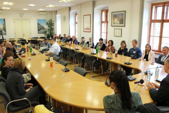 Sudionici projekta Erasmus + KA2 iz više europskih zemalja na prijemu u Gradskoj upravi