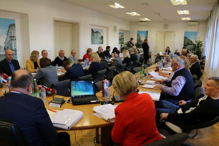 Usvojen proračun grada Slavonskog Broda za 2019. godinu u visini od 371 milijun kuna