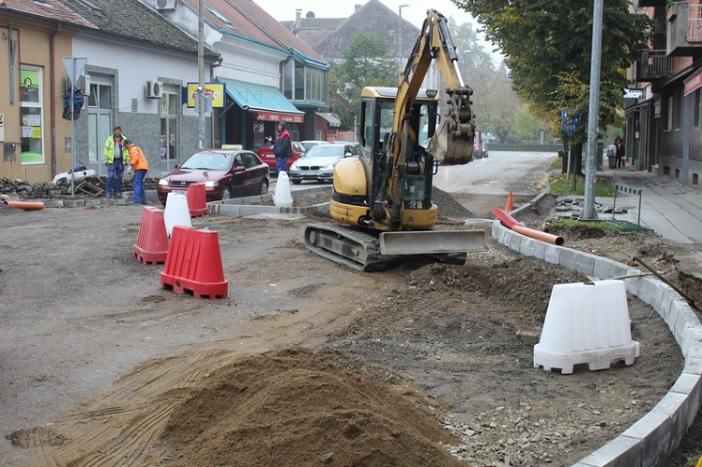Napreduju radovi na izgradnji kružnog toka na križanju Gupčeve i Zrinske ulice
