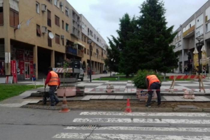 Nastavljaju se radovi na izgradnji cesta i pješačkih staza na području grada