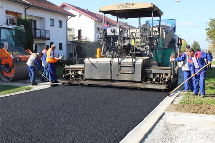 Danas je započelo asfaltiranje ceste u Ulici J. Domca