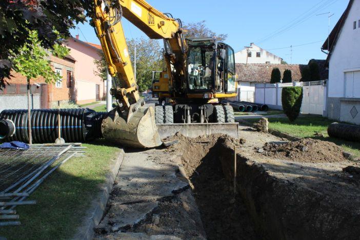 Započeli radovi na rekonstrukciji kanalizacijskog sustava u Jukićevoj i Livadićevoj ulici