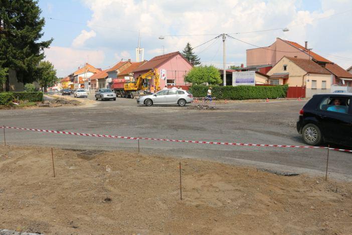Izgradnja kružnog toka na križanju Kumičićeve i Budakove ulice