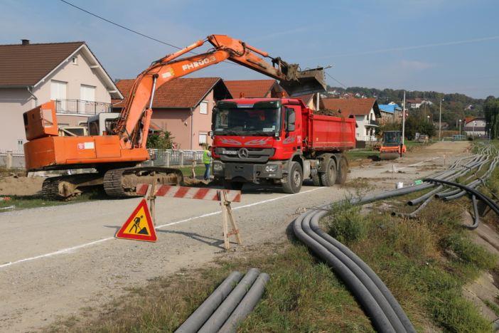 Napreduje izgradnja kolnika i odvodnje u ulicama Livade I i II
