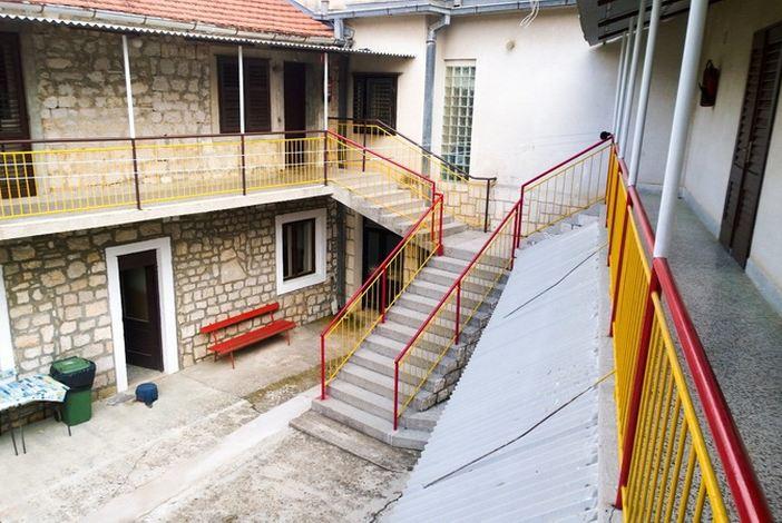 Grad Slavonski Brod financira ljetovanje u Starom Gradu na otoku Hvaru za učenike osnovnih škola